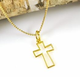 Naszyjnik z pozłacanym krzyżykiem na chrzest