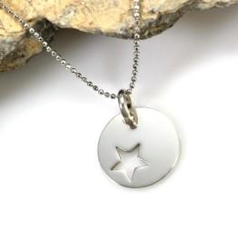 Naszyjnik srebrny z gwiazdką w kółeczku na gwiazdkę na prezent